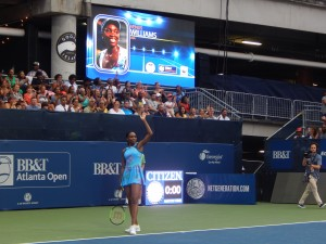 Venus Wows The Crowd at the BB&T